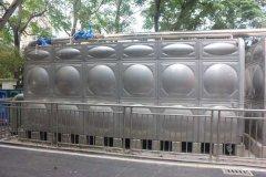学校宿舍二次供水使用箱式无负压供水设备更加合适